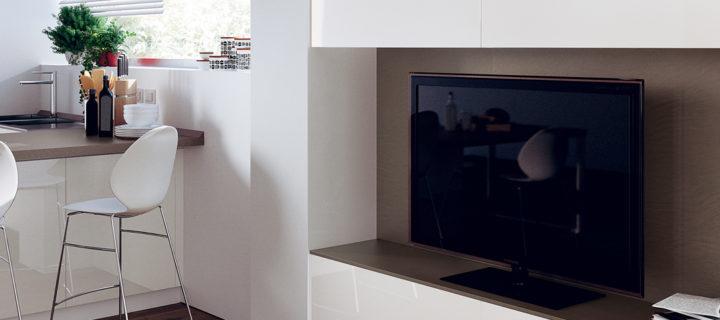1744_TV_in_cucina